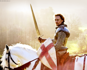 The-Hollow-Crown-tom-hiddleston-31264150-500-401